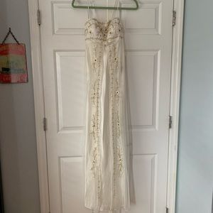 Ignite Evenings Ivory Beaded/Embroidered Gown Sz 4